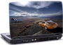 laptop skin med orange porsche på klipper